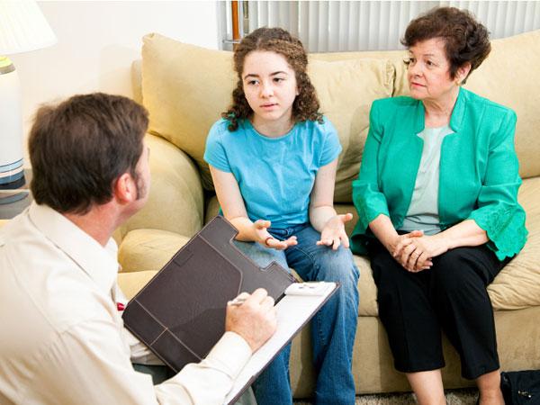 7 способов, которыми родители травмируют ребенка, не осознавая этого